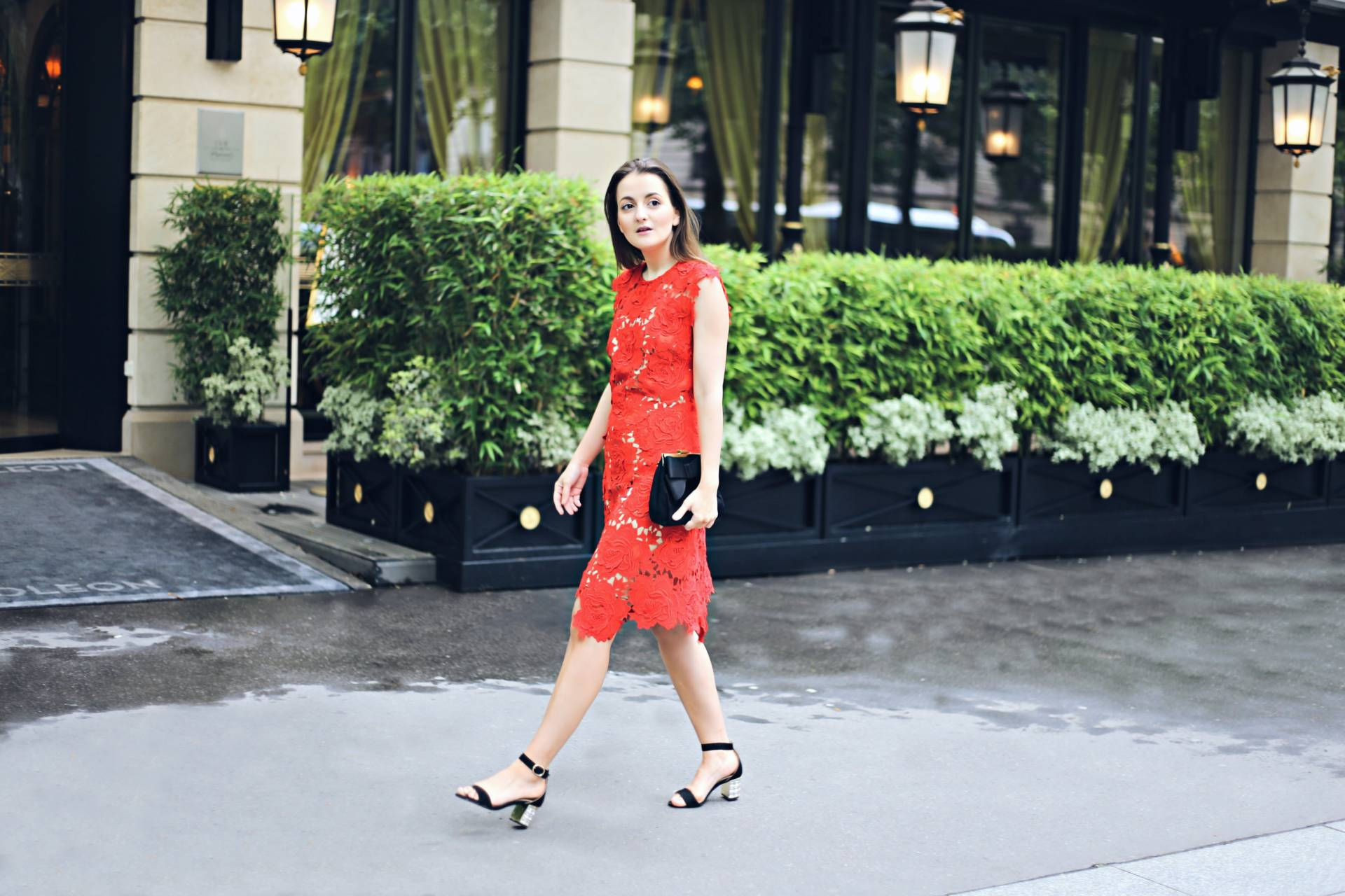 How to wear a red dress over 30