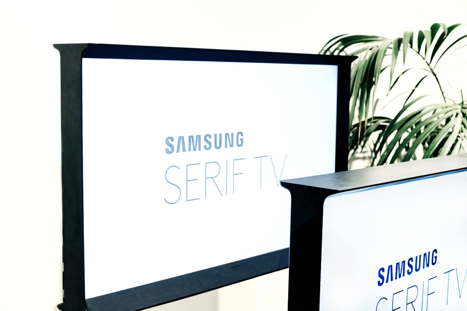 Samsung Serif TV partners with London Fashion Week
