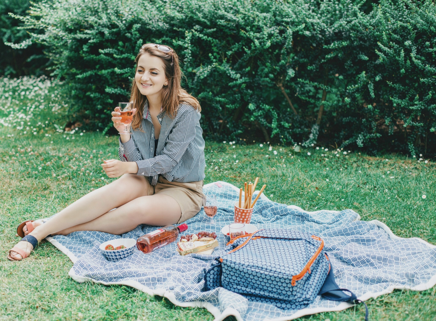 Escape to the great outdoors - picnic in the Cotswolds