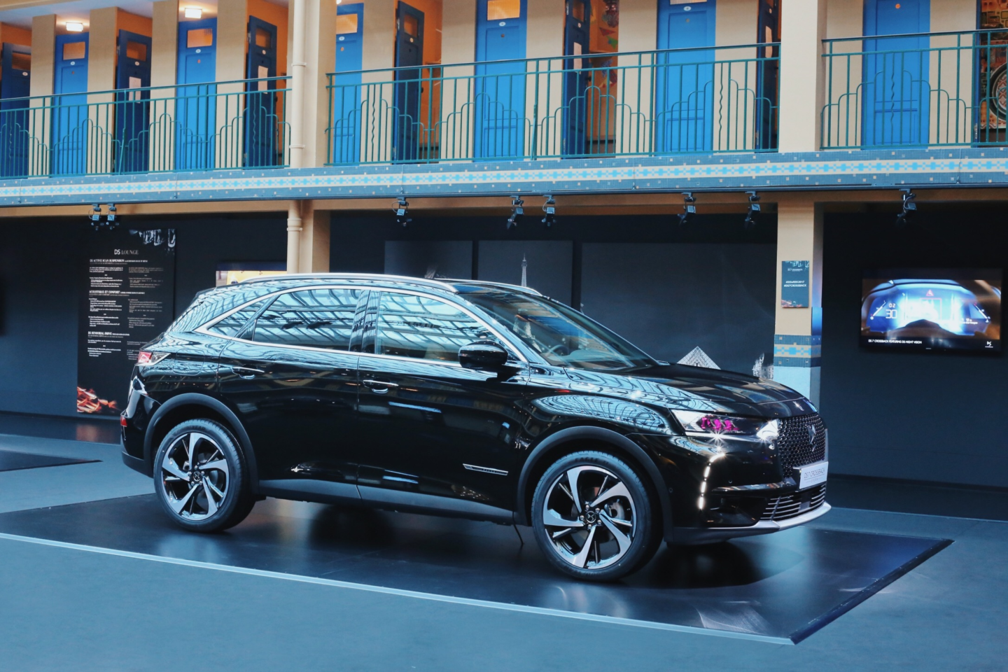 Discover the new DS 7 CROSSBACK - Launeden